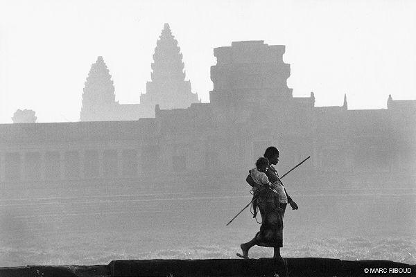 L'Indochine vue par trois grands photographes Chapeau6065